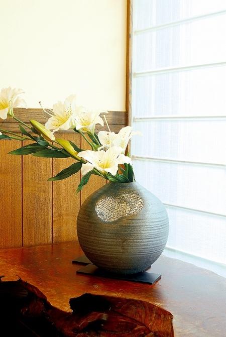 花瓶  糸玉
