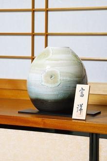 花瓶 水面波紋