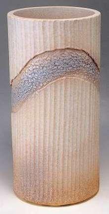 信楽 傘立 白彩層彫